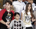 Feud continues to roil Michael Jackson's family