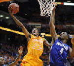 Vols PG Moore back in action: freshman learning to slow his pace