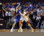 Tennessee Vols senior Kenny Hall adapts to playing less