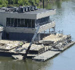 U.S. Army Corps of Engineers puts owner of rundown barge in Chattanooga on notice