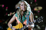 Sheryl Crow announced for Heart Strings for Hope