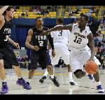Chattanooga Mocs try to finish sweep of UNCG