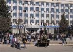 Dozens leave offices seized by Ukraine separatists