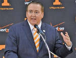 UT Vols' coach Donnie Tyndall finishes putting together his staff