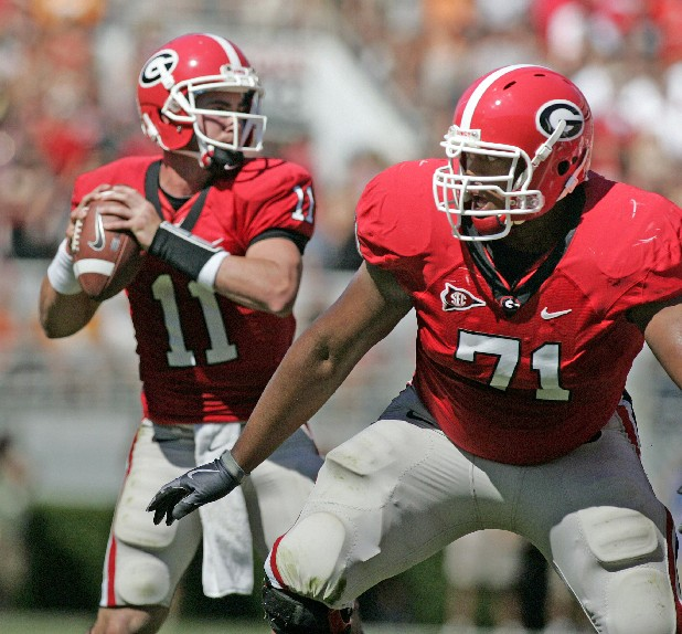 Georgia's Cordy Glenn (71) will protect quarterback Aaron Murray as a right tackle this year after starting all 13 games last season at left guard.