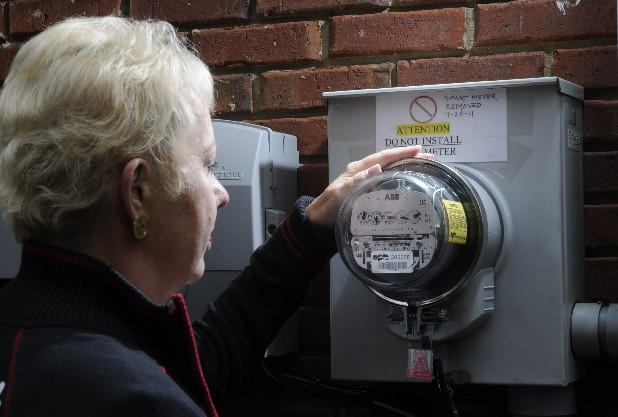 Karen Chastain recently convinced the Electric Power Board to remove a smart meter that she says was installed at her home without her knowledge or consent. A group of homeowners are putting up signs warning installers not to put in the new smart meters.