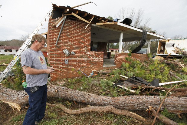 Policyholders flood insurers with storm damage calls