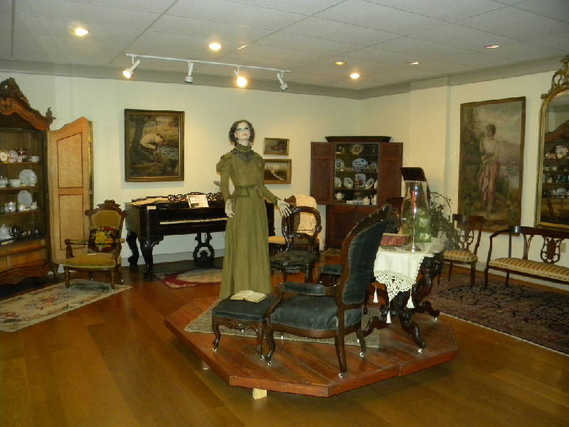 The McMinn County Living Heritage Museum Displays Many Of Its 9,000 Plus  Items In A Series Of Rooms That Also Have A History. Part Of The Building  Was Once ...