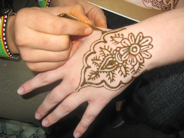 The art of henna uses traditional, intricate patterns from India and Middle Eastern countries.