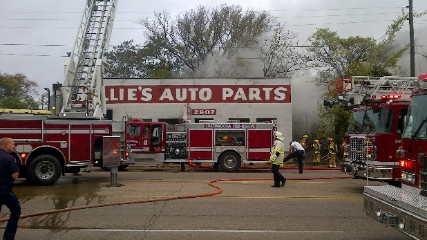 There was a fire at Willie's Auto Parts on Rossville Boulevard in Chattanooga this morning. Observers suggested that vagrants going into the unoccupied building may have caused the fire.