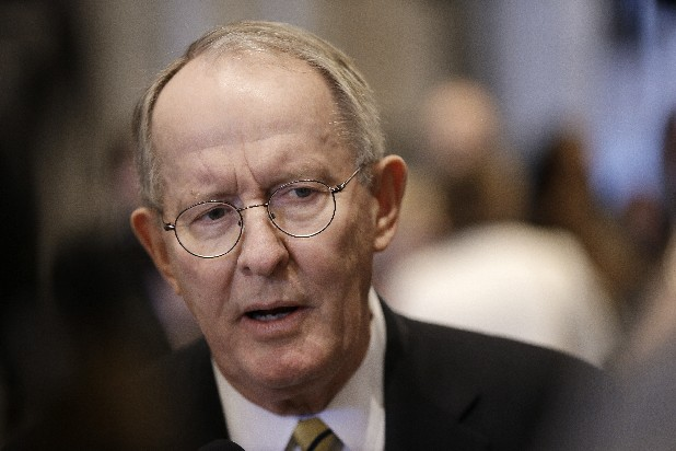 Sen. Lamar Alexander out on limb by advocating an Internet sales tax in Tennessee