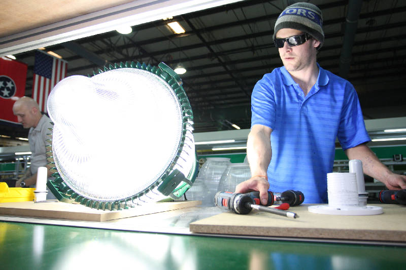 Zach Smith plugs in a LED streetlight to test it at Global Green Lightingu0027s new facility on Tuesday. Global Green Lighting has moved the production line for ...  sc 1 st  Chattanooga Times Free Press & Global Green Lighting plans to multiply jobs in Chattanooga | Times ...