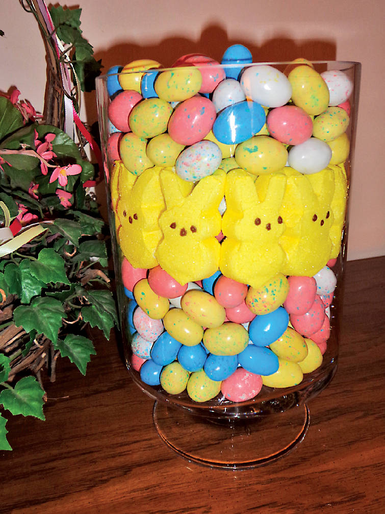 Decorating hop to it do it yourself easter ideas for you and your peeps n eggs centerpiece solutioingenieria Choice Image