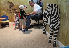 3-D jungle: Pop-out wall treatment transforms child's room | Times