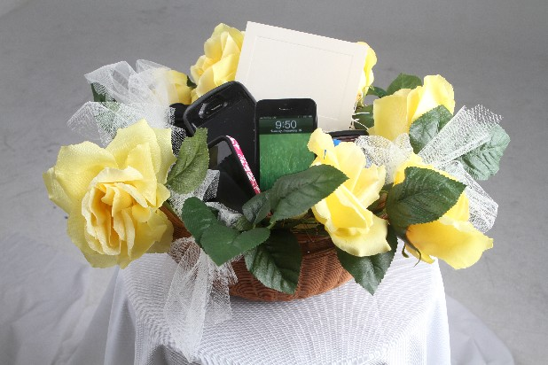 Could a collection basket for cellphones and cameras be the next big wedding trend?