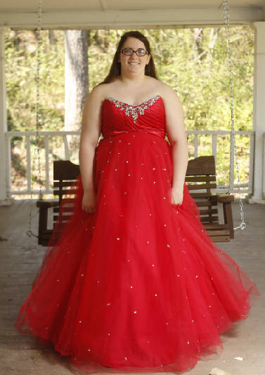 Plus-size prom: Finding dresses in larger sizes is an ...