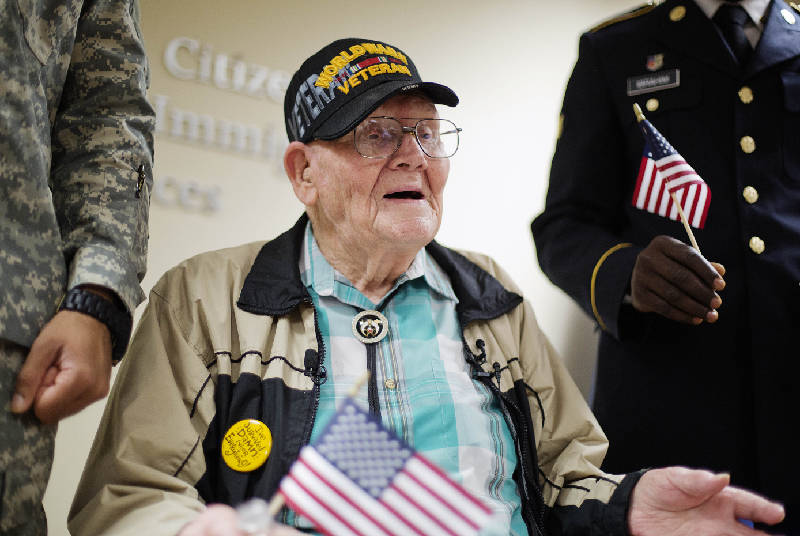 wwii veteran beats u s citizenship obstacles for d day trip times