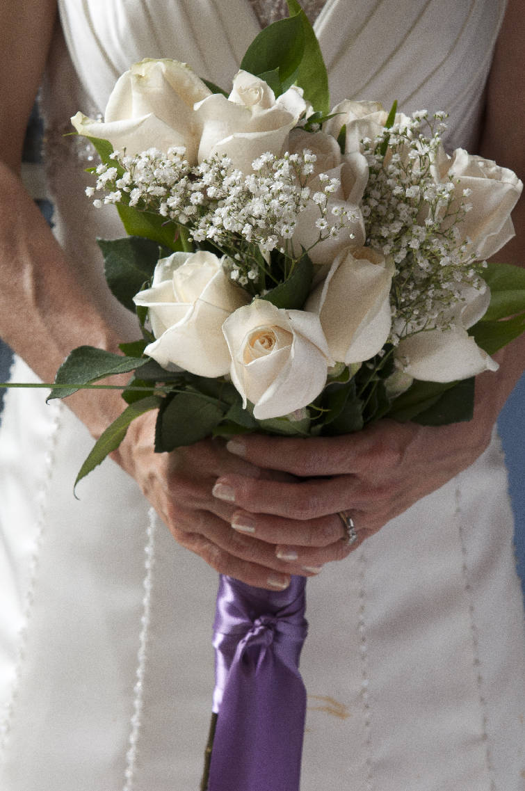 DIY flowers: Brides save by making their own bouquets, arrangements ...