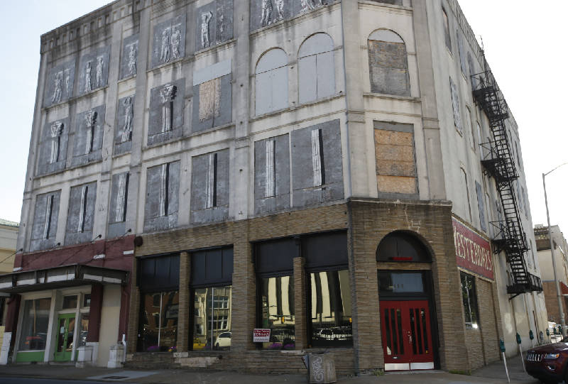 The Old Ross Hotel Building Is Located On Georgia Avenue At Patten Parkway In Downtown Chattanooga