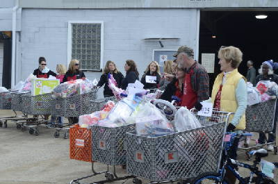 The gift of giving: Salvation Army gift distribution ends today ...