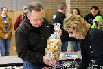 Food drive feeds 400 families