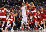 Kentucky's perfect season ends with 71-64 loss to Wisconsin