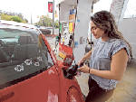 Gas prices drop nationwide, but not in Chattanooga