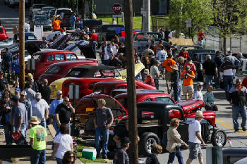 Thousands Cruise In To Chattanooga For Annual Car Show