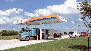 Natural Gas Stations >> Refueling Outlet For Natural Gas Powered Trucks Being Built In