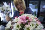 Weekend rush: Specialists prepare for honoring mothers