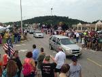 Crowd awaits Westboro Baptist protesters at Chattanooga shooting memorial on Lee Hwy.