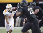 John Jancek 'looking for a leader' as Vols' middle linebacker