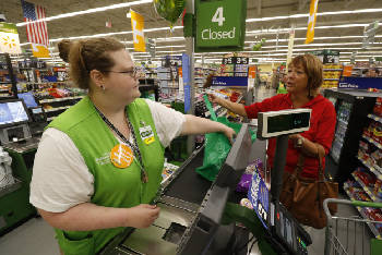 Wal-Mart boosts pay for 1,813 workers in Hamilton County