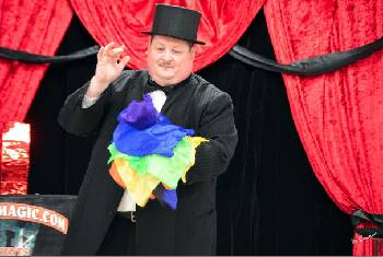 Chattanooga Magic Club members are up to their old tricks Saturday