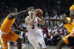 Kingsley's 17 points sparks Arkansas past Tennessee, 85-67