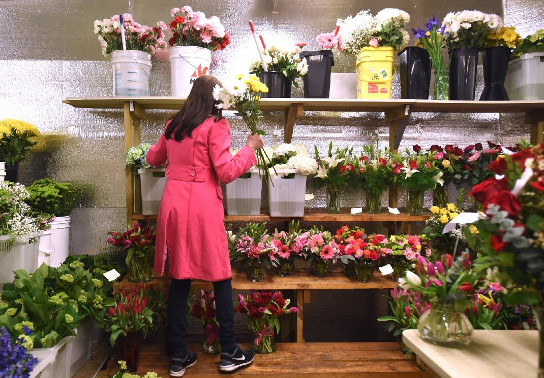 Cupid brings cash to area flower and candy shops ahead of cupid brings cash to area flower and candy shops ahead of valentines day izmirmasajfo