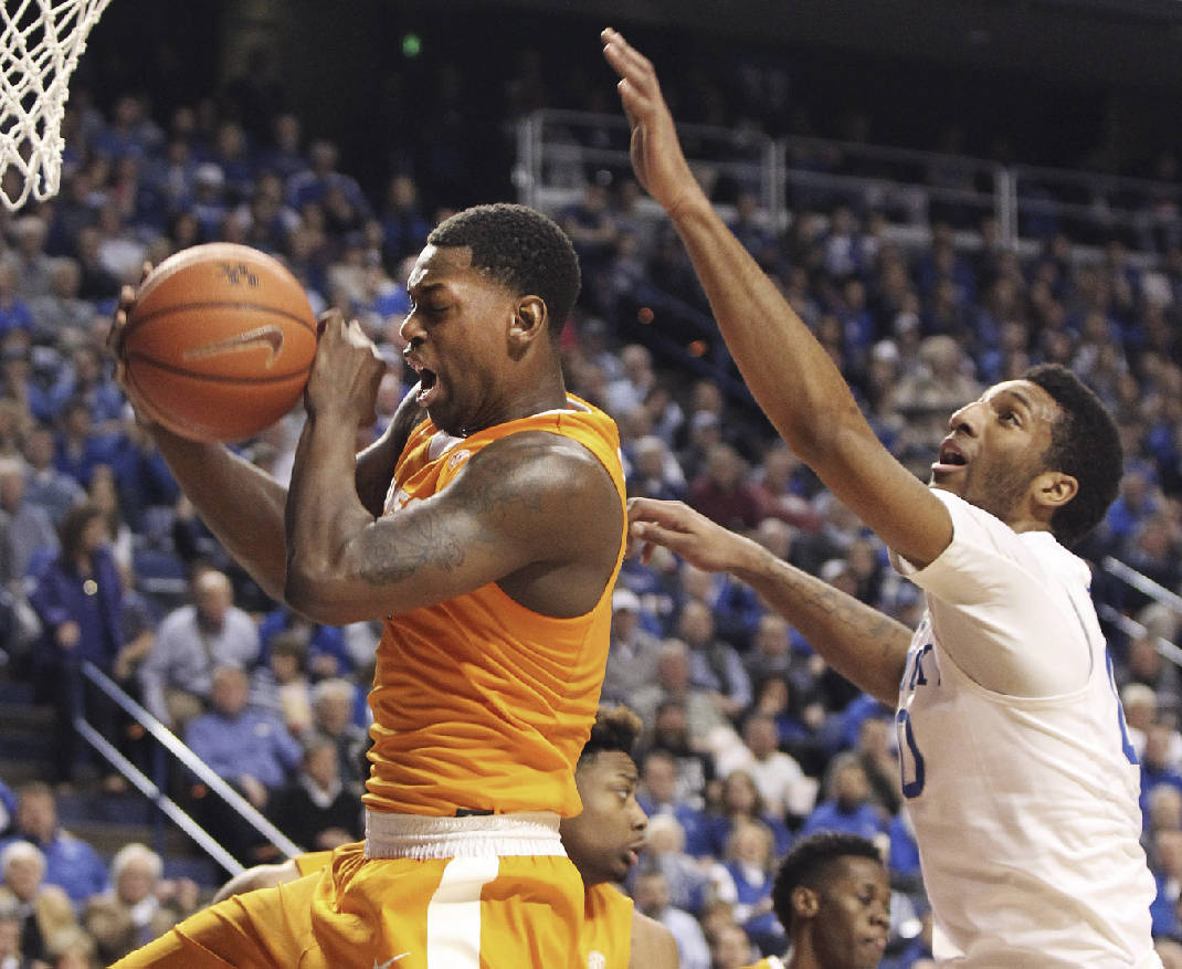 Second-half runs powers Kentucky past Tennessee, 80-70