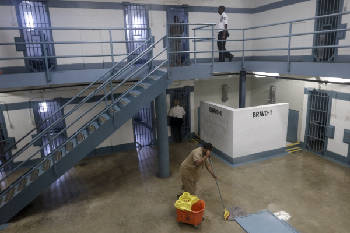 Private prison firms lining up to build and operate new Hamilton
