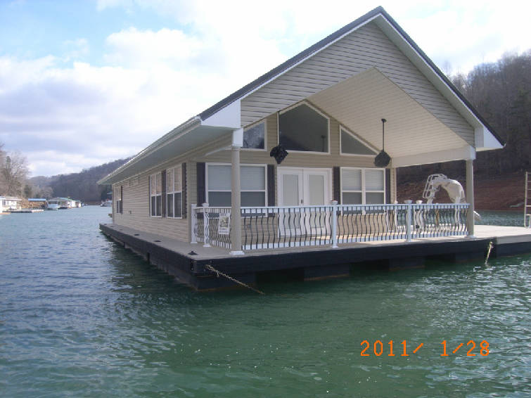 Floating Homes For Sale on Norris Lake - YourNewBoat.com
