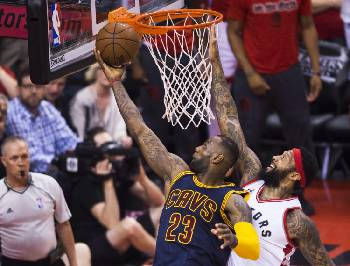 4e1bda987 LeBron James leads Cavaliers to Finals once again