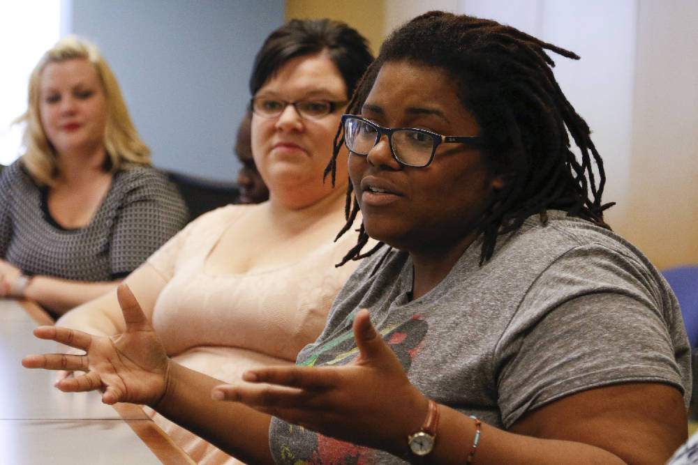 Group aims to support Chattanoogas single mothers, sons