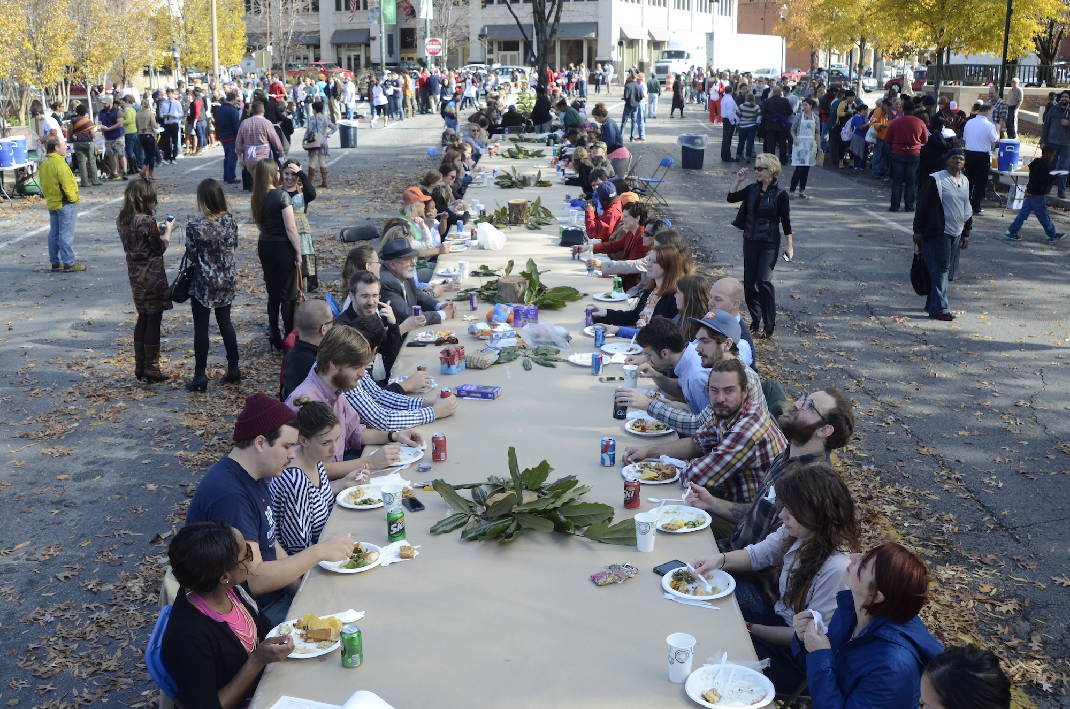 Causeway Readies Another Citywide One Table Potluck Times Free Press - Oen table