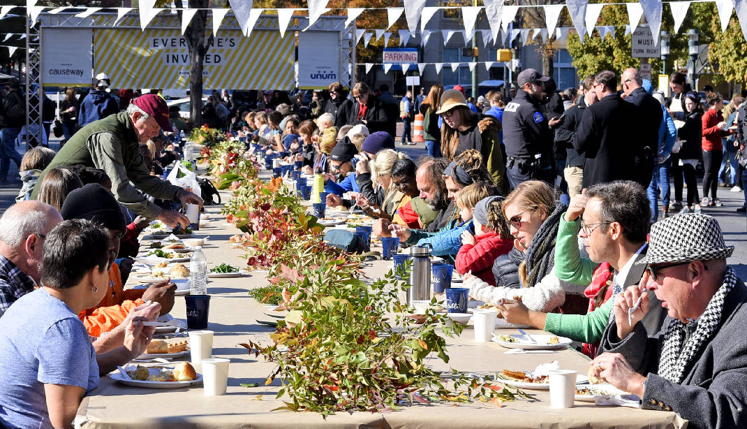 One Table Invites Community To Break Bread Together Times Free Press - Oen table
