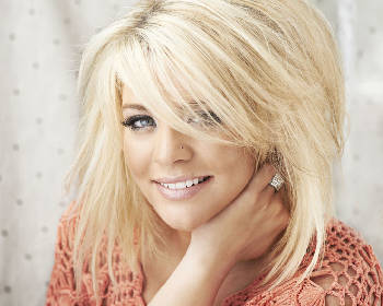 Lauren Alaina's new album shoots to No  2 on iTunes' country charts