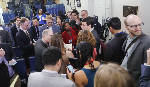 White House bars major news outlets from gaggle