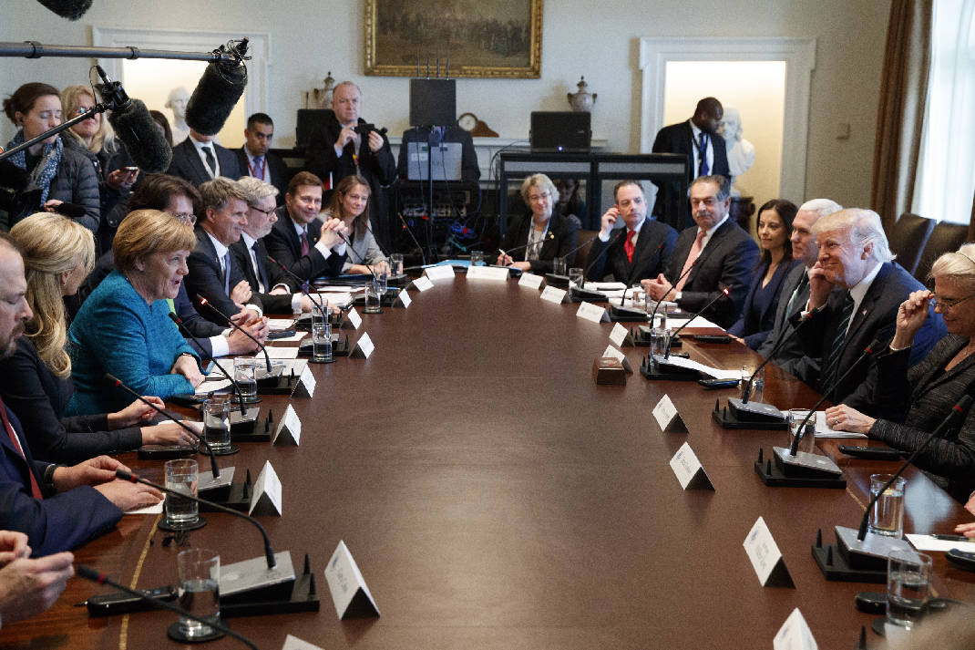 Trump Round Table.Trump Round Table Deoverslag