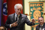Corker praises diplomatic efforts by White House to defuse North Korea threat