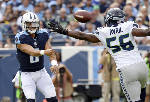 Titans score 21 straight points in 3rd, beat Seahawks 33-27