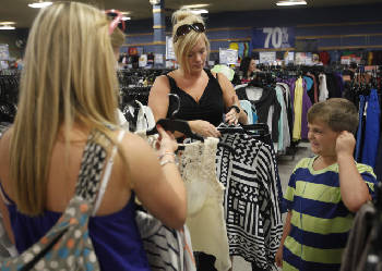 74d972526c1 Gabe s discount fashion store seeks applicants to fill 150 jobs in Fort  Oglethorpe
