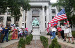 Opposing sides face off at Hamilton County Courthouse over Confederate statue dispute